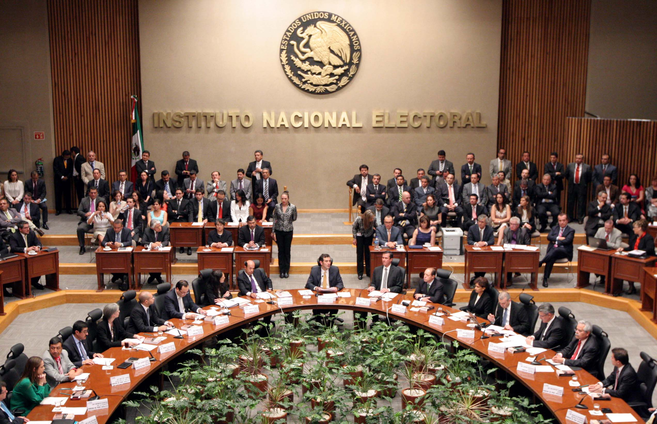 56 MIEMBROS DEL SERVICIO PROFESIONAL ELECTORAL NACIONAL OBTIENEN MAESTRÍA EN PROCESOS E INSTITUCIONES ELECTORALES
