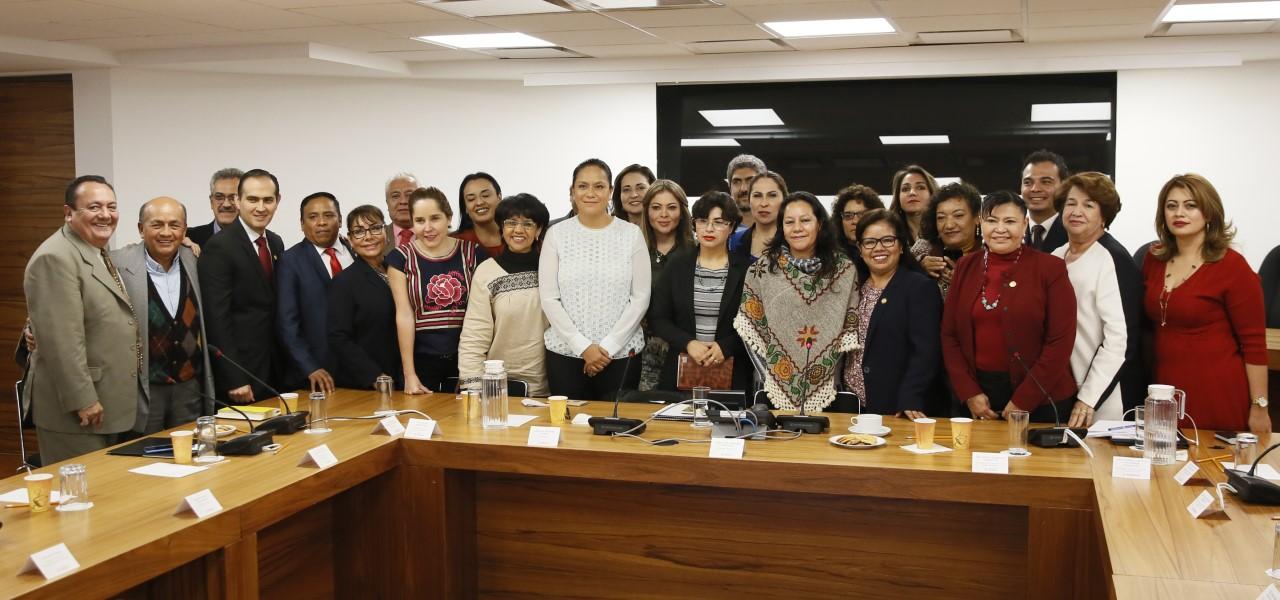 Requiere la política social de colaboración y trabajo coordinado de los tres órdenes de gobierno, afirmó la Secretaria de Bienestar, María Luisa Albores González
